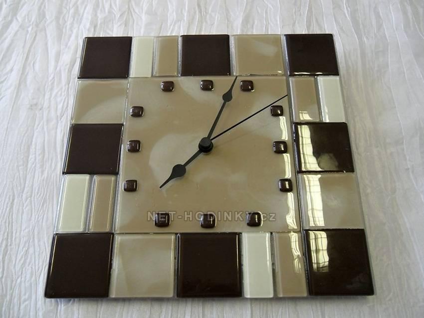 autorské hodiny Skleněné designové hodiny hnědo-kávovo-bílé české ruční výroby