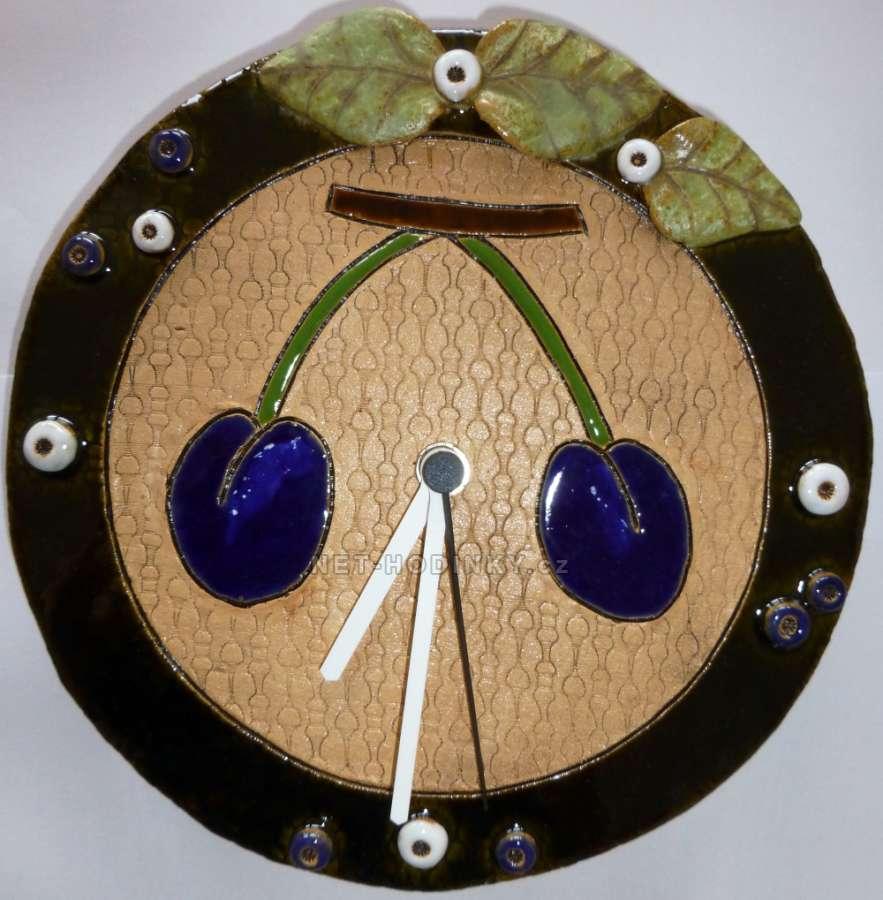 autorské hodiny Nástěnné hodiny keramické - motiv švestky, hodiny na zeď keramické hodiny š