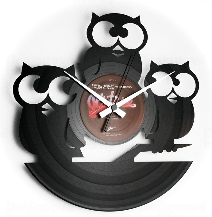 Moderní designové hodiny z gramofonové desky Discoclock 004 s motivem Tři moudré sovy