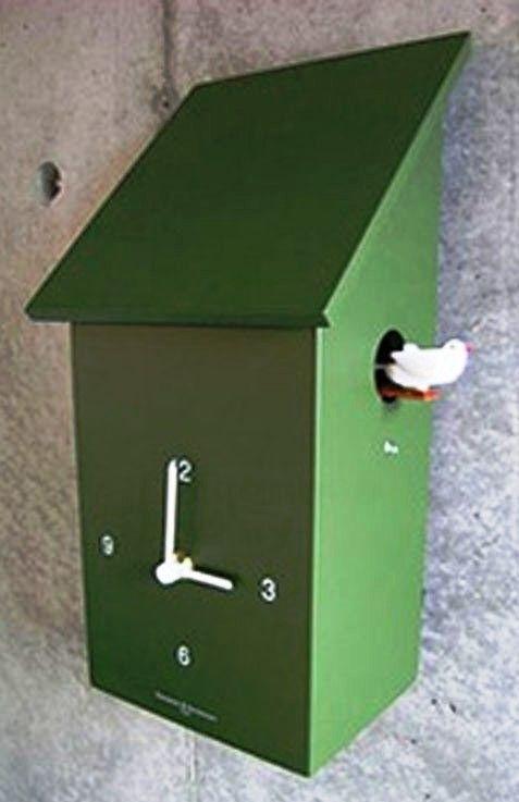 Diamantini&Domeniconi Stylové dřevěné nástěnné hodiny s kukačkou v zelené barvě