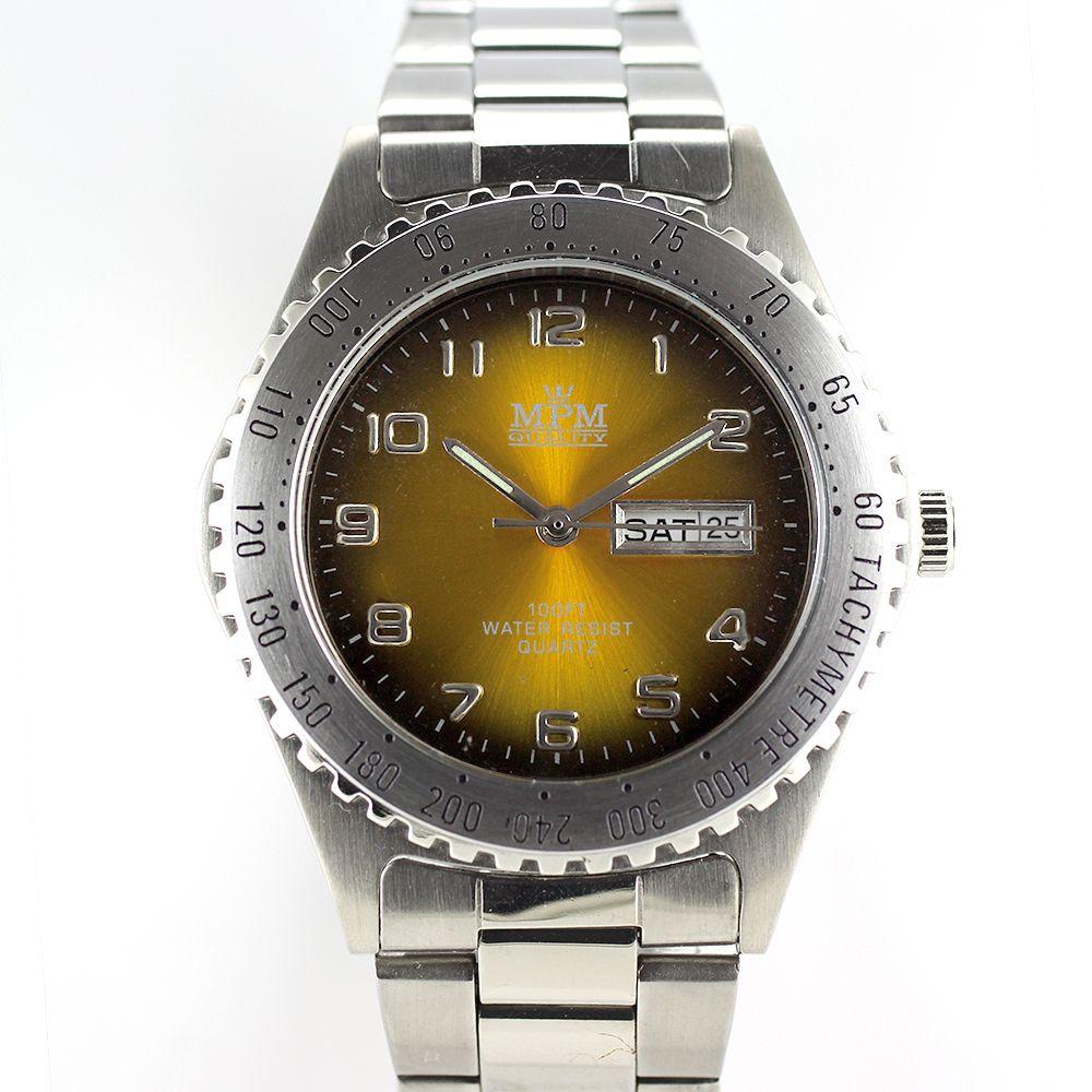 Sportovní pánské hodinky s datem 2246b09e9c