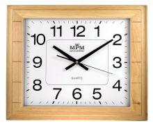 Hranaté nástěnné hodiny ve světlém dřevěném rámu..0596