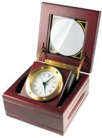 Luxusní dřevěné stolní hodiny kaštanové barvy s tvarem krabičky..0578