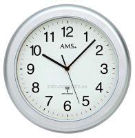 Nástěnné hodiny AMS 5956 stříbrná, AMS 5957 bílá rádiem řízené