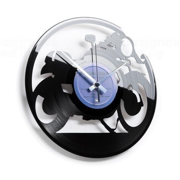 Nástěnné hodiny z gramofonové desky značky Discoclock 053 Superbike