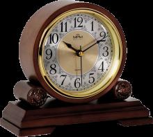 Dřevěné stolní hodiny se zdobeným ciferníkem..01535
