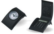 Plastový analogový budík s motivem kalkulačky C01.2771
