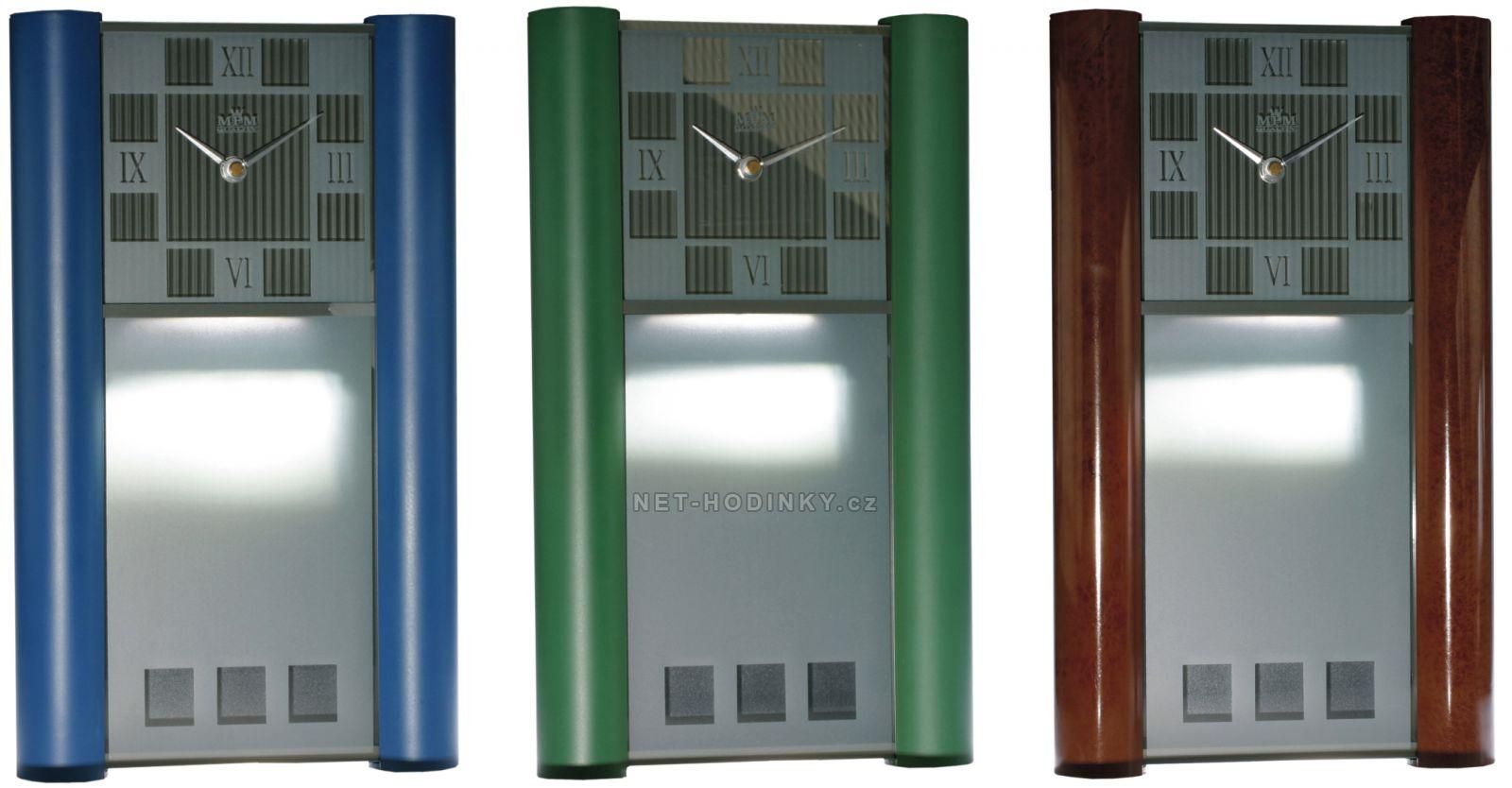 Netradiční plastové nástěnné hodiny E05.2821