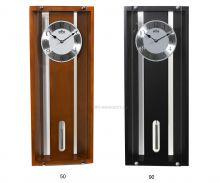 Dřevěné nástěnné hodiny s kyvadlem v moderním designu E05.3454