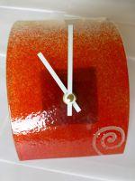 Skleněné stolní hodiny Spirála červená