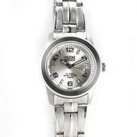 Dámské hodinky s datumem a černým číselníkem v pouzdře z lesklé oceli W02M.10380