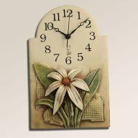 Keramické nástěnné hodiny s květinou