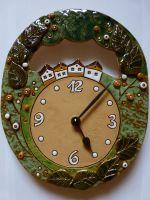 Keramické nástěnné hodiny ovál - domečky