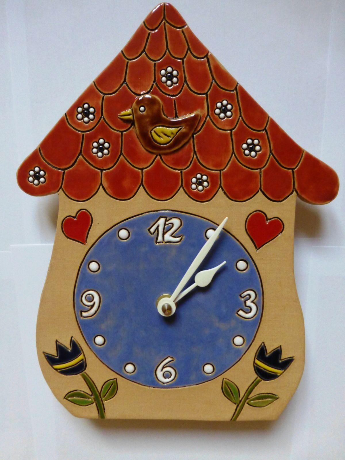 autorské hodiny Nástěnné keramické hodiny na zeď - Pohádkový domeček s kukačkou keramický domeček 1