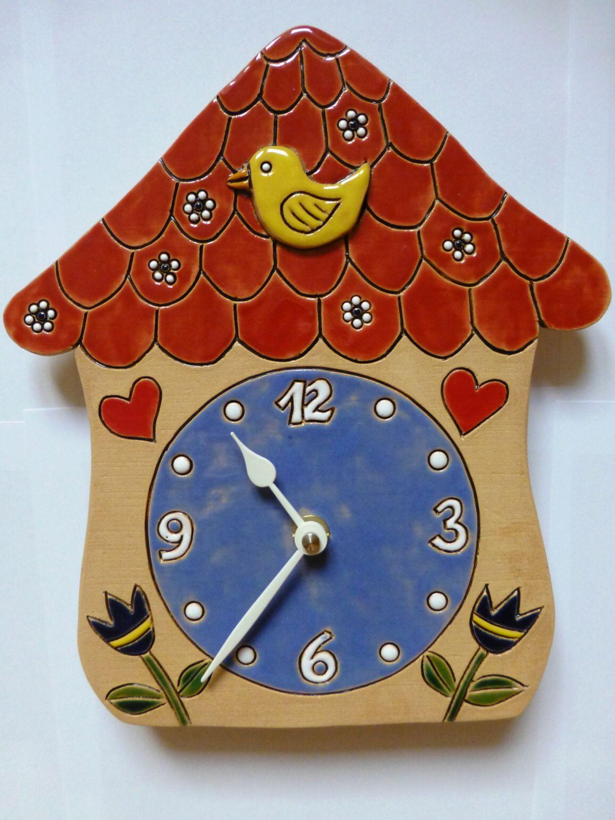 autorské hodiny Nástěnné keramické hodiny na zeď - Pohádkový domeček s kukačkou keramický domeček 2