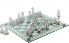 hra šachy sklo