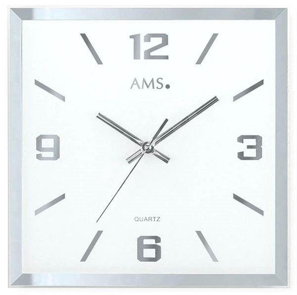 čtvercové nástěnné hodiny na zeď