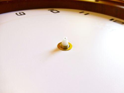 montáž hodinových ručiček
