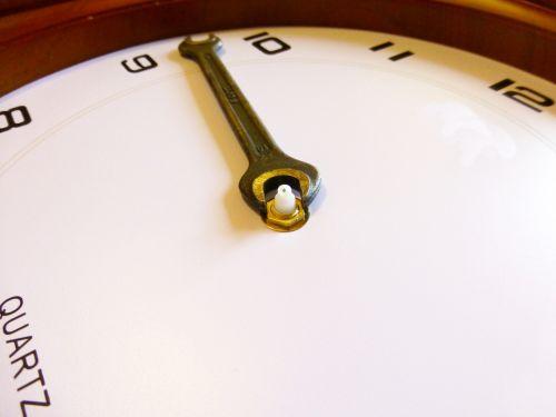montáž hodinových ručiček 2
