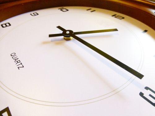 montáž velké hodinové ručičky