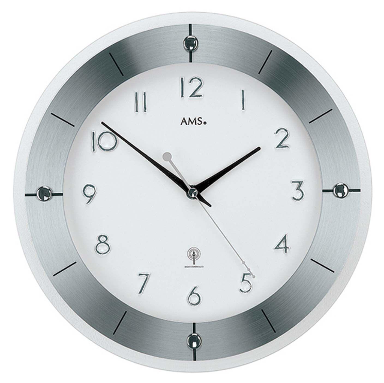 Nástěnné hodiny ams 5848 rádiem řízené