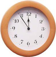Dřevěné nástěnné hodiny kulaté AMS 929/16 olše