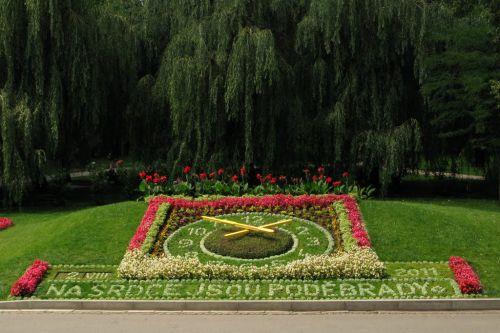 květinové hodiny Poděbrady