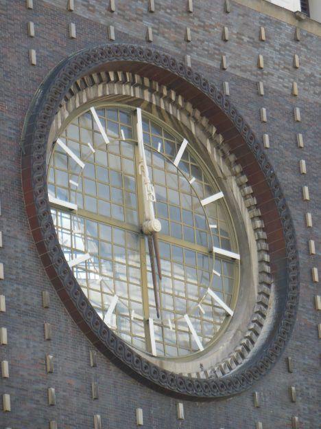 největší věžní hodiny v ČR detail