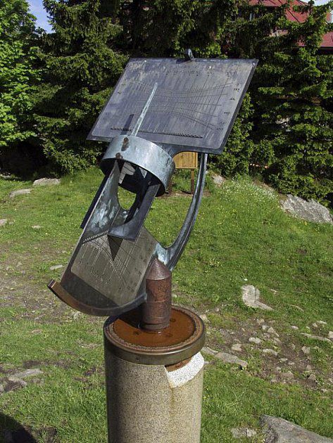 nejvýše umístěné sluneční hodiny v ČR