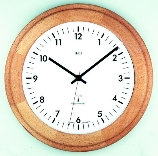 Nástěnné hodiny dřevěné rádiem řízený čas na zeď H&H 4129 RC - buk